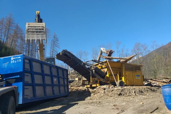 M-Recycling Bruneck - Fuhrpark - Baustelle
